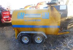 Bunded fuel bowser double axle
